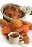Pequeno almoço, café, pão e frutas Fotografia de Stock Royalty Free