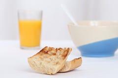 Pequeno almoço com brinde Imagens de Stock Royalty Free