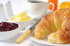Pequeno almoço do Croissant Imagem de Stock