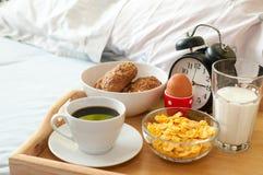 Pequeno almoço na cama Imagem de Stock