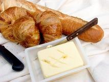 Pequeno almoço, pão fresco. imagens de stock