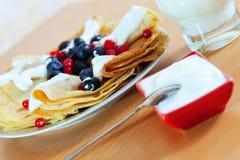 Pequeno almoço. Panquecas doces Imagem de Stock