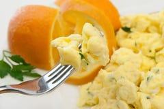 Pequeno almoço Scrambled dos ovos fotos de stock royalty free