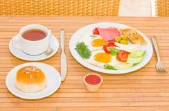 Pequeno almoço serido Fotografia de Stock