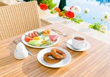 Pequeno almoço serido Fotos de Stock