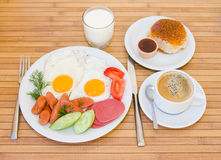 Pequeno almoço serido Imagens de Stock