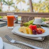 Pequeno almoço tropical saudável Imagem de Stock Royalty Free