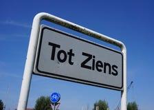 Pequeno holandês Ziens do cumprimento em um sinal imagens de stock