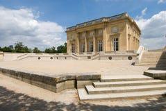 Pequeno Trianon do parque do palácio de Versalhes fotografia de stock royalty free