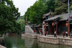 Pequim, China - 15 de maio de 2018, turistas que compram no stre de Suzhou imagem de stock royalty free