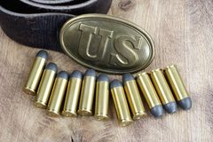 Período da guerra civil da fivela de cinto dos E.U. com cartuchos do revólver Foto de Stock
