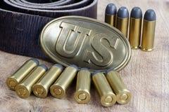 Período da guerra civil da fivela de cinto dos E.U. com cartuchos do revólver Imagens de Stock Royalty Free