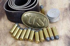 Período da guerra civil da fivela de cinto dos E.U. com cartuchos do revólver Fotografia de Stock Royalty Free