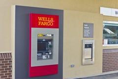 Perú, ADENTRO - circa marzo de 2016: Un Wells Fargo Retail Bank Branch III imagen de archivo