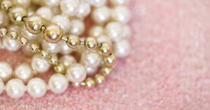 Perły biżuterii prezent - sieć sztandar z kopii przestrzenią Obrazy Royalty Free