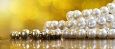 Perły biżuterii sieci sztandar z kopii przestrzenią Fotografia Royalty Free