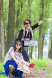 Per Anhalter fahrende Hippie-Mädchen Stockfotos