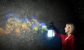 Per guida che osserva donna Fotografia Stock Libera da Diritti