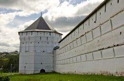 Trinità Lavra della st Sergius. Torre di Pyatnickaya Immagine Stock