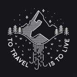 Per viaggiare è di vivere Paesaggio d'annata di vettore con il pisello della montagna Fotografia Stock