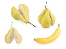 Pera e banana su un fondo bianco Fotografia Stock