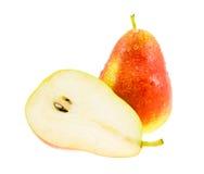Pera rossa e gialla matura e pera mezze. Immagine Stock