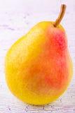 Pera y fruta en Imagen de archivo