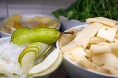 Pera y queso Fotografía de archivo