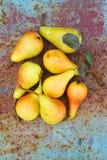 Peras amarillas maduras Fotografía de archivo