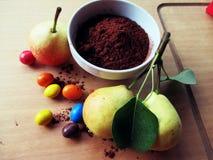 Peras e chocolate (arquivos da atribuição) fotos de stock royalty free