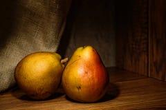 Peras orgánicas naturales Fotos de archivo libres de regalías