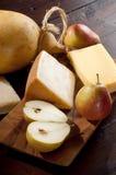 Peras y mezcla de queso italiano Foto de archivo libre de regalías