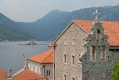 Perast城镇, Kotor和Lovcen山海湾  库存照片