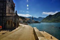 Perast,黑山,是科托尔湾的博卡队Kotorska一个小的镇 免版税库存图片