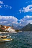 By Perast på kust av den Boka Kotor fjärden - Montenegro Arkivbild