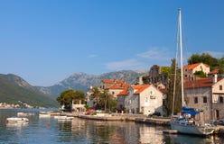 Perast stad. Fjärd av Kotor, Montenegro royaltyfria bilder
