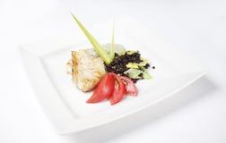 Perca del restaurante con las verduras Imagen de archivo libre de regalías