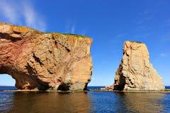 Perce Rock på högvatten royaltyfri foto