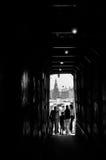 Percez un tunnel à l'approche à la place rouge MOSCOU, RUSSIE Image stock