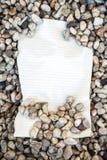 Perchment con i cristalli di rocca Immagine Stock