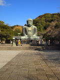 Percorso alla grande statua del buddha Fotografia Stock