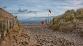 Percorso attraverso le dune alla spiaggia Fotografia Stock Libera da Diritti