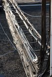 Percorso dell'alimentatore dell'antenna alle antenne di attrezzatura ad alta frequenza per Fotografia Stock