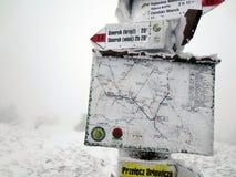 Percorso della montagna, Bieszczady, inverno, Polonia Immagini Stock