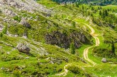 Percorso delle montagne delle dolomia, Italia di bobina Fotografia Stock