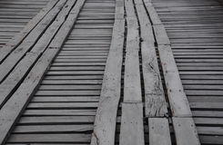 Percorso di camminata di legno sul ponte di legno fotografie stock