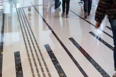Percorso di pavimentazione tattile dell'interno del piede per i ciechi immagini stock libere da diritti