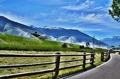 Percorso italiano della Alpe-bici a Laders Immagine Stock