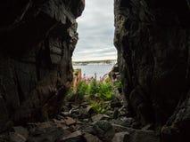 Percorso nascosto fra le rocce Fotografia Stock Libera da Diritti