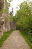 Percorso pedonale nel parco per raggiungere San Marino Immagine Stock